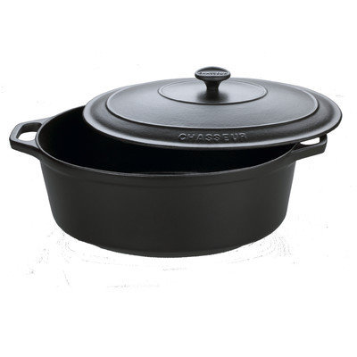 Chasseur 7.25-qt. Cast Iron Oval Casserole Color: Black