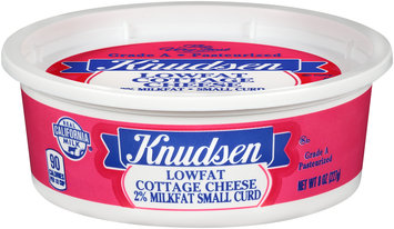 Knudsen 2% Milkfat Small Curd Lowfat Cottage Cheese 8 oz. Tub