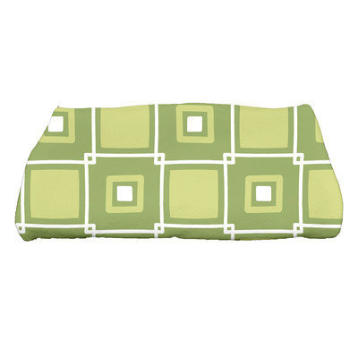 Beachcrest Home Rocio Square Pop Geometric Print Bath Towel Color: Green