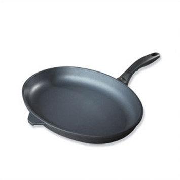 Swiss Diamond Nonstick Covered Oval Fish Fry Pan