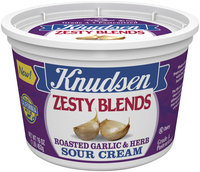 Knudsen Zesty Blends Roasted Garlic & Herb  Sour Cream 16 Oz Tub