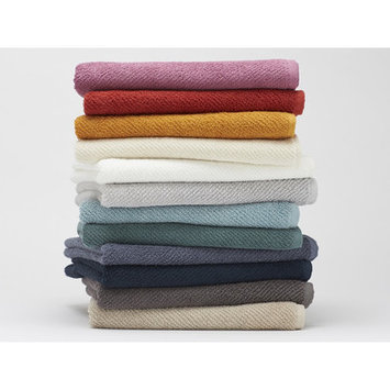 Coyuchi Air Weight Bath Towel Color: Sage