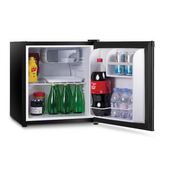 W Appliance Westinghouse 1.6 Cubic Feet Black Compact Refridgerator & Fr