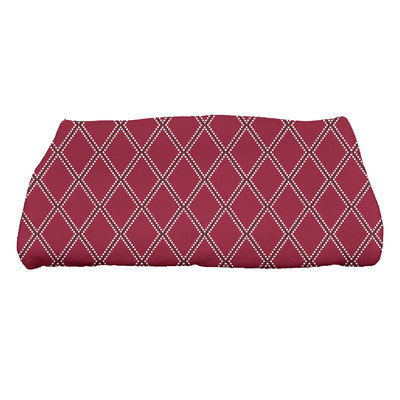 E By Design Holiday Wishes Diamond Dots Bath Towel Color: Cranberry