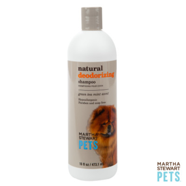 Martha Stewart PetsA Natural Green Tea Mint Scented Deodorizing Dog Shampoo
