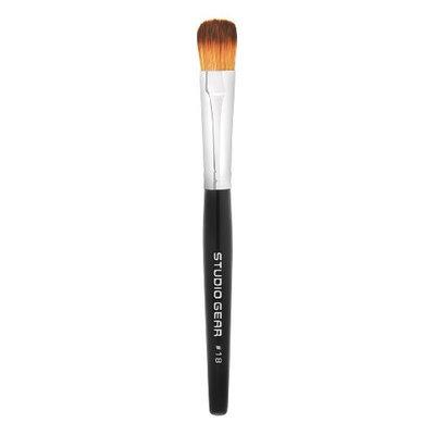 Studio Gear Cosmetics No. 18 Concealer Brush
