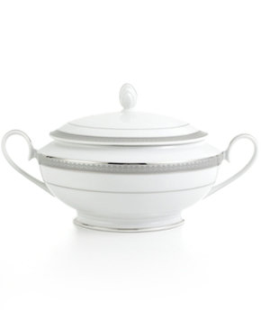 Mikasa Platinum Crown Covered Casserole Dish