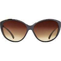 Starlight Black Metal Accented Cateye Sunglasses