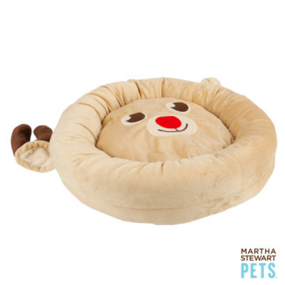 Martha Stewart PetsA Reindeer Holiday Bed