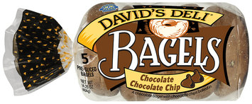 Crystal Farms® David's Deli® Chocolate Chocolate Chip Pre-Sliced Bagels 5 ct. Package