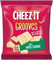 Cheez-It Grooves® Sharp White Cheddar Crispy Cracker Chips 1 oz. Pack
