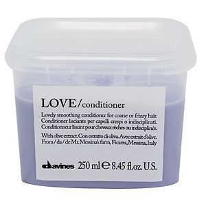 Davines - New Essentials Love Lovely Smoothing Conditioner 8.45oz
