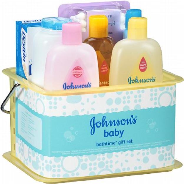 Johnson's Baby Essentials Bathtime Set