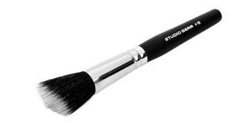 Studio Gear Cosmetics No. 15 Angled Bronzer Brush