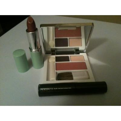 Clinique 3 Pc. Deluxe Set, Eye Shadow Duo, 2 Shades From Come Heather Trio, New Clover Blush with Brush, High Impact Mascara Black, Full Size Long Last Lipstick Bamboo Pink