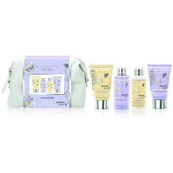 Baylis and Harding Honey and Almond Pamper Me Wash Bag Set