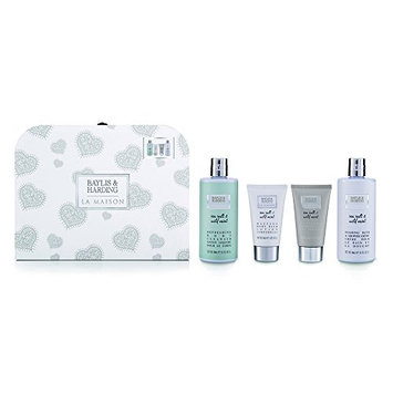 Baylis and Harding La Maison Sea Salt & Wild Mint Carry Case Gift Set