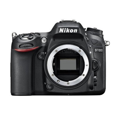 NIKON D7100 DSLR Camera with 18-105mm VR Zoom Lens