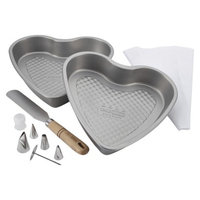 Cake Boss Professional Bakeware 10-Piece Santa and Heart Bakeware Set