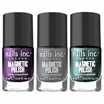 nails inc. Wave Magnetic Polish