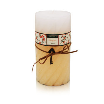 Laura Ashley Sculpted Candle