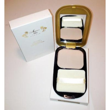 Amore Mio 24k Gold Compact Foundation #02 Light Ivory