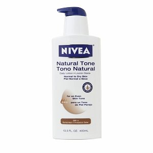 Nivea Body Natural Tone Body Lotion for an Even Skin Tone SPF 4