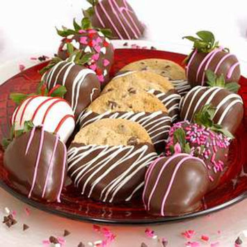 Bouquet of Fruits Valentine Chocolate Dipped Strawberries & Cookies