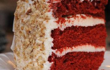 Cake Man Raven Velvet Cake