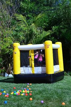 Jump Orange JumpOrange Lil' Kiddo Busy Bee Bounce House