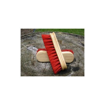 Desert Equestrian 2286 Legends Peanut Face Brush Red
