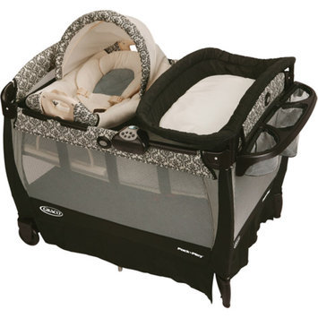 Graco - Pack 'n Play Playard with Cuddle Cove Rocking Seat