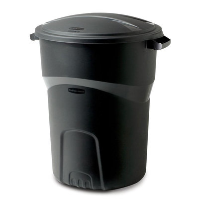 Rubbermaid 32 Gallon Black Non Wheeled Roughneck Trash Can