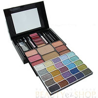 Shany Cosmetics Beauty Revolution MAKEUPKIT Complete With Makeover Kit With Runway Colors.Item# JC237