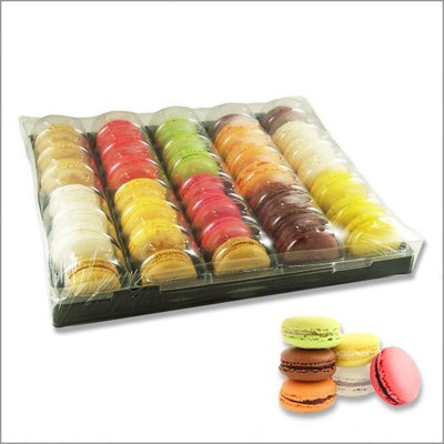 Le Village French Macarons Assortment - Traditional Selection - 6 Flavors - 35 Pieces