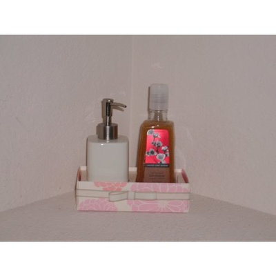 Bath & Body Works Signature Collection Japanese Cherry Blossom Anti-bacterial Deep Cleansing Hand Soap & Collectible White Ceramic Soap Dispenser Gift Set