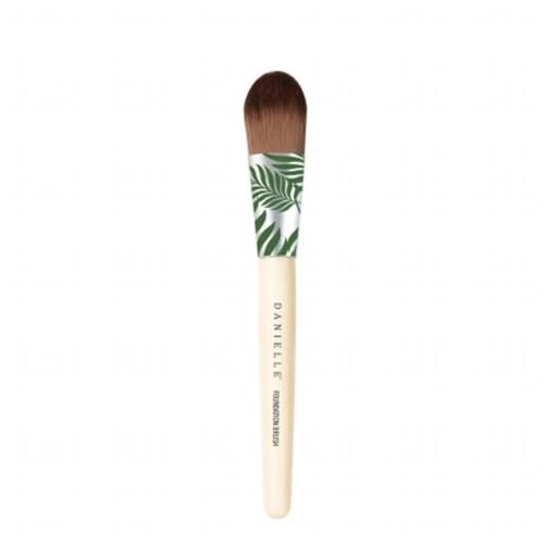 Upper Canada D3653GR Bamboo Palm Foundation Brush Green