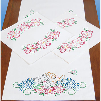 Jack Dempsey Inc. Jack Dempsey Dresser Scarf and Doilies with Perle Edges, Kittens in Flowers