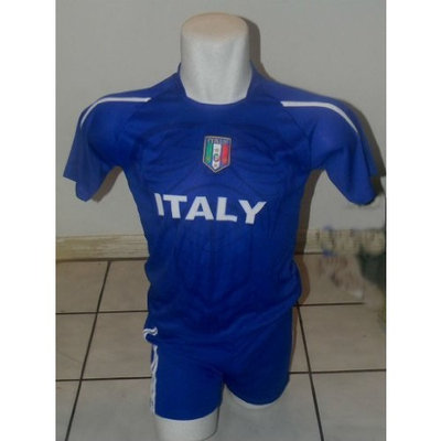 Certified CHILDRENS, KIDS BOYS AND GIRLS ITALY SOCCER JERSEY SIZE 14 AGES (11 AND 12)