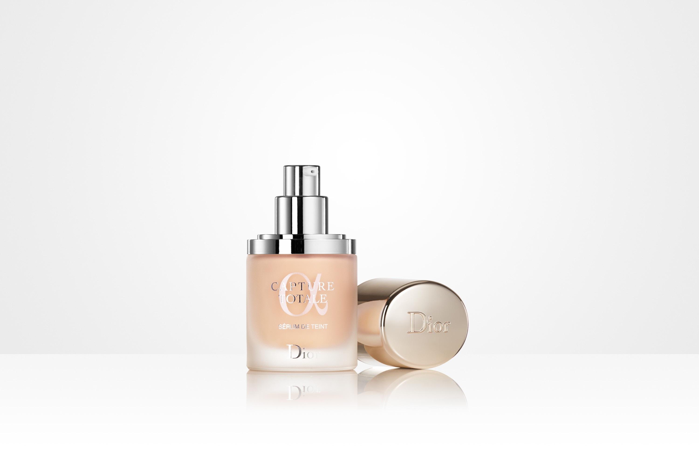 Dior Capture Totale Triple Correcting Serum Foundation SPF 25