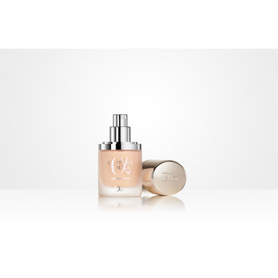 Dior Capture Totale Triple Correcting Serum Foundation SPF 25