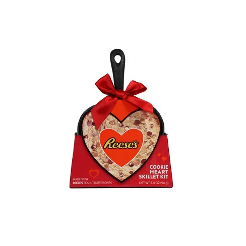 Galerie Valentine's Day Heart Shape Skillet with Reese's Cake Mix