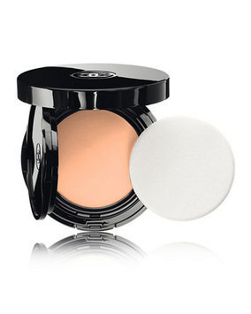 Chanel Vitalumiere Aqua Fresh and Hydrating Cream Compact Makeup SPF15
