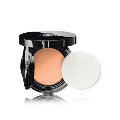 CHANEL Vitalumière Aqua Fresh And Hydrating Cream Compact Sunscreen Makeup Broad Spectrum SPF 15