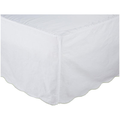 Oliver B Crib Skirt with Scalloped Mint Trim
