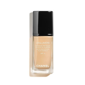 CHANEL Vitalumière Satin Fluid Makeup SPF 15