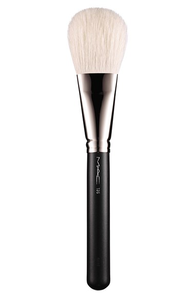 Mac Perfume M A C 135 Large Flat Powder Brush