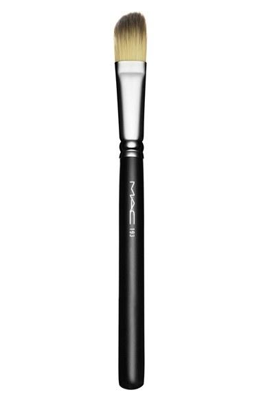 Mac Perfume MAC 193 Angled Foundation Brush