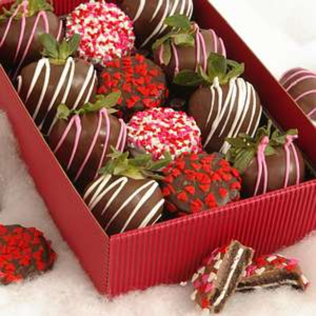 Bouquet of Fruits Valentine Chocolate Dipped Strawberries & Oreo's