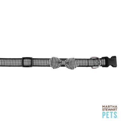 Martha Stewart PetsA Houndstooth Bow Dog Collar